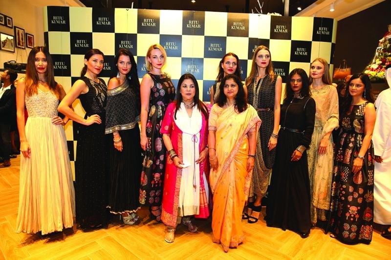 9014e535e دبي منصة أزياء الهندية ريتو كومار إلى العالمية - البيان