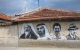 الصورة: رسمة لمحمد بن راشد على جدارية قرية نائية في بلغاريا