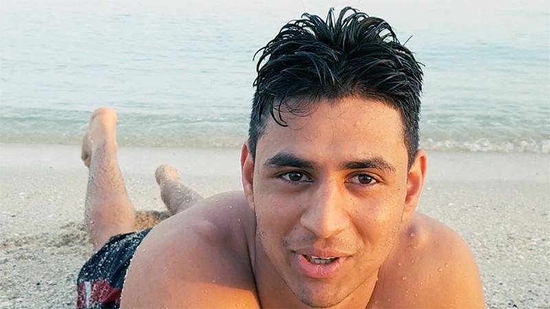 """محمد / باكستان: """"أسبح منذ الصباح قبل أن تسخن عين الشمس"""""""