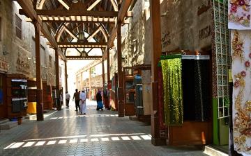 الصورة: الصورة: سوق بر دبي.. إشراقة الأجداد التي لا تغيب
