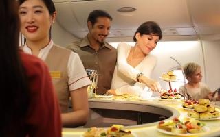 الصورة: «الإمارات لتموين الطائرات».. خلية نحل لا تهدأ
