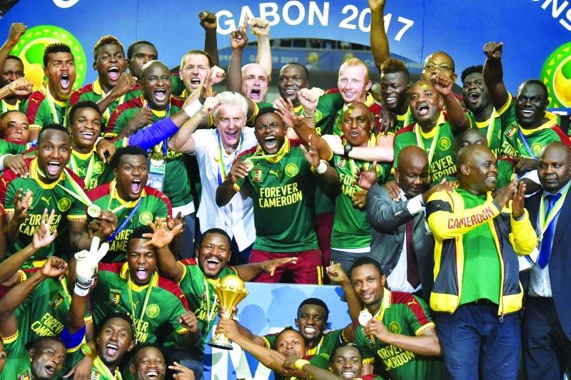 الصورة : ■ المنتخب الكاميروني بطل أفريقيا  |  أ ف ب