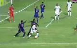 الصورة: كيف تلقى حارس مرمى هدفين في نفس الوقت؟