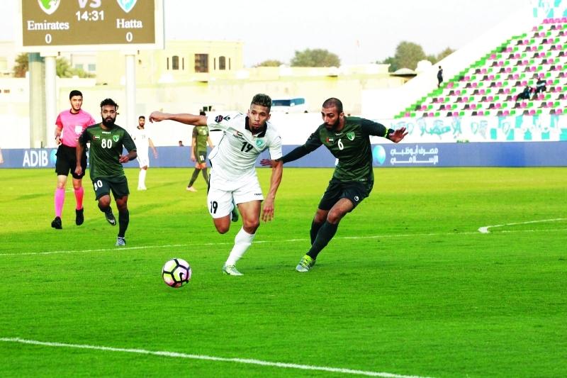 الصورة : ■  حتا حقق فوزاً غالياً في ملعب الإمارات    البيان