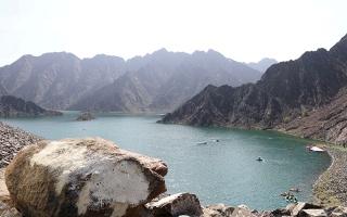 """الصورة: """"حتا كاياك""""..  قوارب بين أحضان الجبال"""