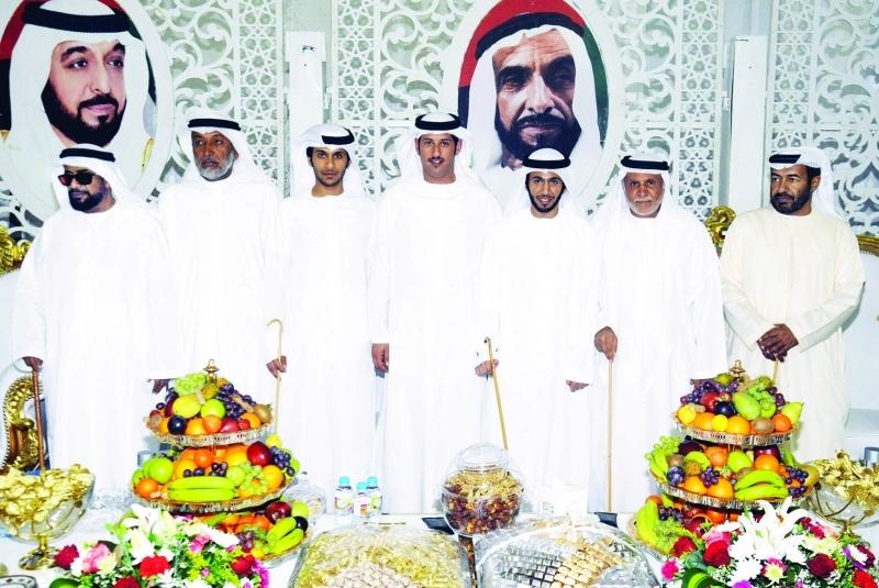 هزاع بن خليفة بن شخبوط والعريسان وعدد من الأهل