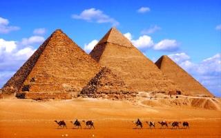 الصورة: الصورة: الأهرامات.. روائع الفنون ومعاقل الأسرار