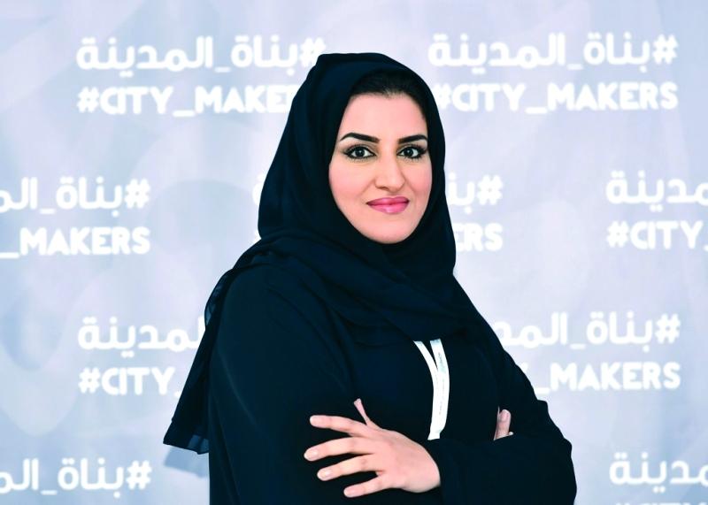 الصورة : إيمان السويدي: التحسين وفق المبادئ الرئيسة لنموذج دبي للخدمات الحكومية