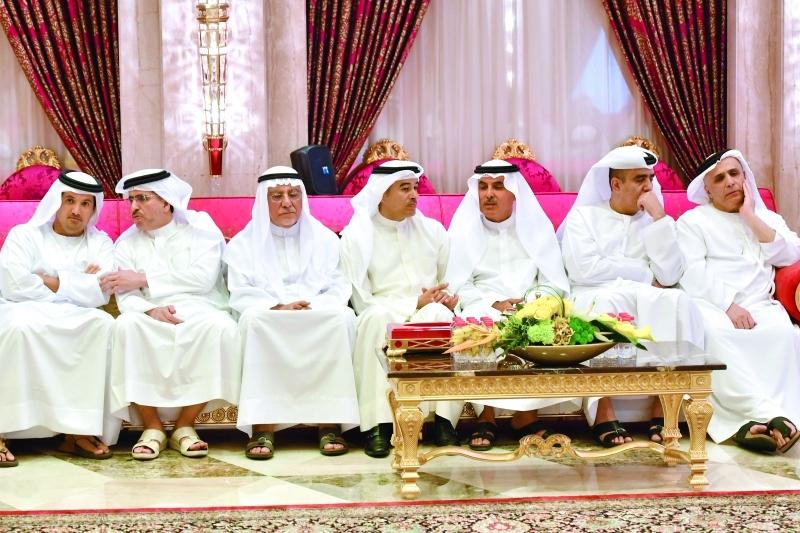 مديرو الدوائر وكبار المسؤولين خلال الاستقبال