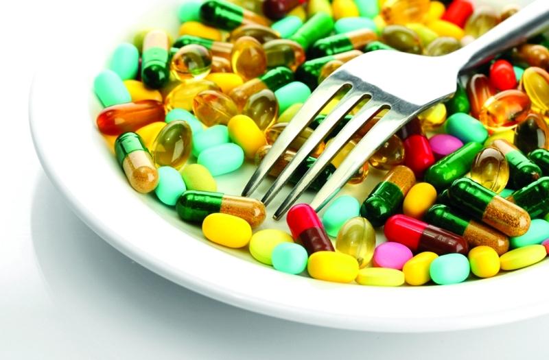 الصورة : إن كان الشخص لا يعاني من نقص في نظامه الغذائي فلاحاجة للمكملات   من المصدر