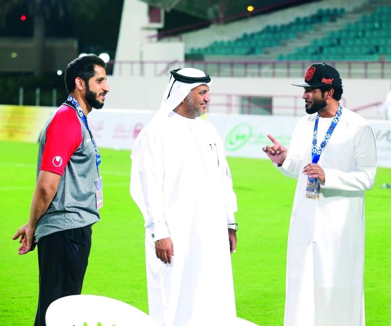 الصورة : Ⅶ خالد شهيل في حديث عن البطولة مع نادر راشد  |  البيان