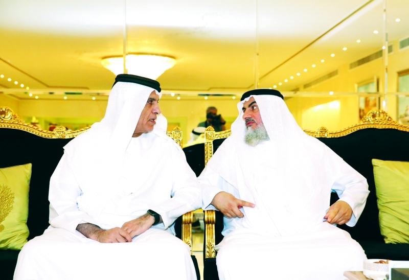 الصورة : سعود بن صقر يتقبل تهاني محمد بن حمدان آل نهيان