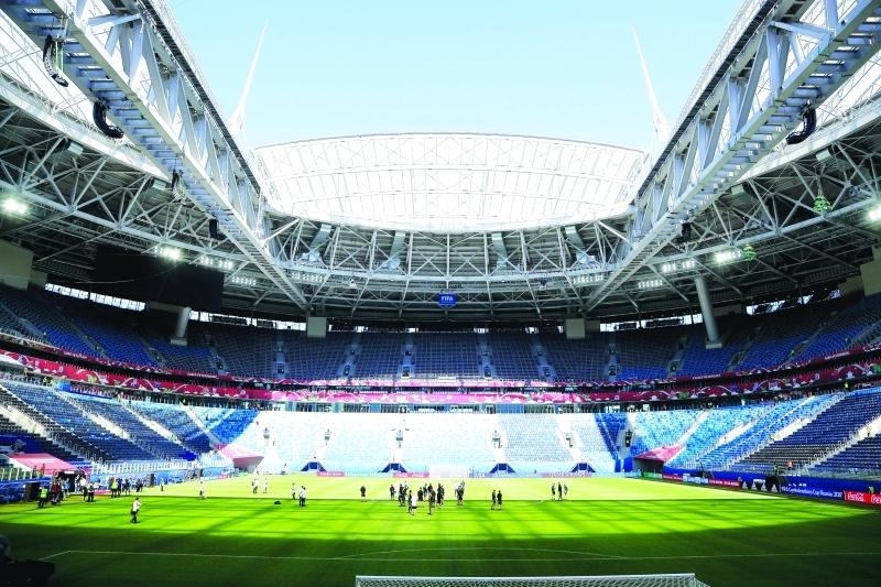الصورة : ■ ملعب بطرسبيرغ يستضيف الافتتاح والمباراة النهائية | أ ب