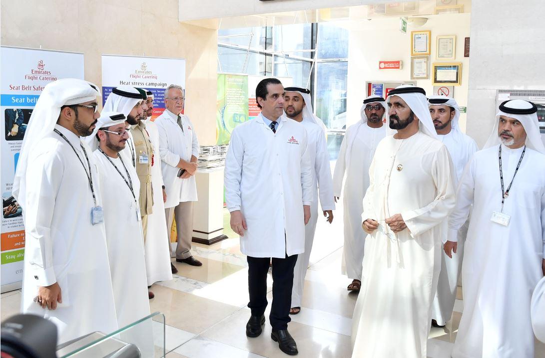 الصورة : محمد بن راشد وأحمد بن سعيد وعدد من قيادات الشركة
