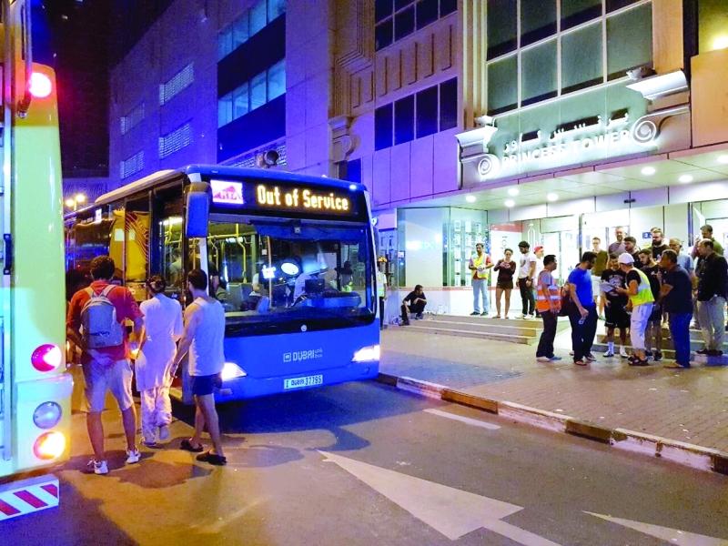 الصورة : وسائل النقل العامة لنقل سكان البرج