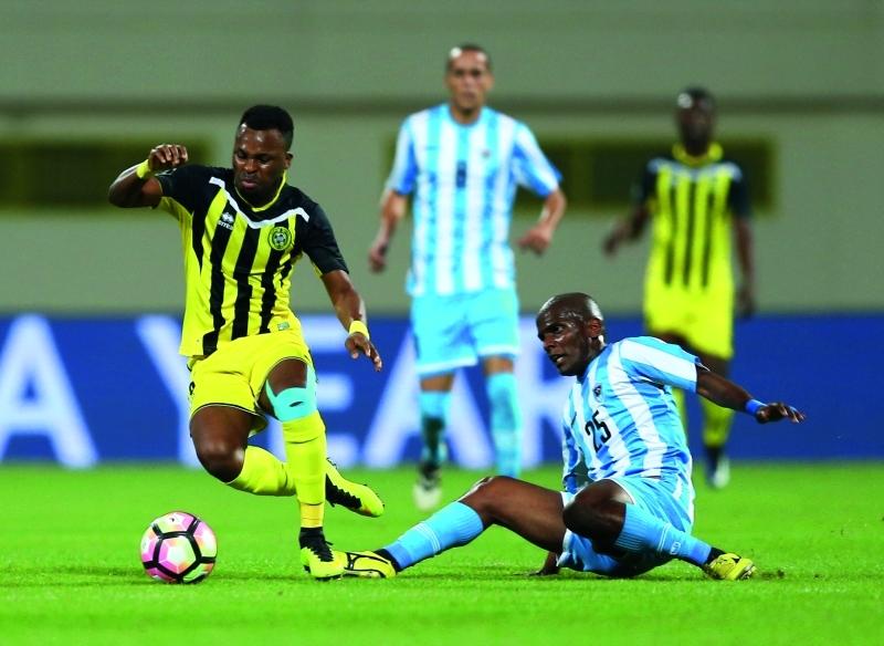 الصورة : ■ دوري الخليج العربي يعود إلى 14 نادياً الموسم بعد المقبل  |  البيان
