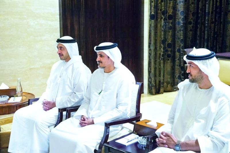 ■ عبد الله بن زايد وعلي الشامسي ومحمد المزروعي