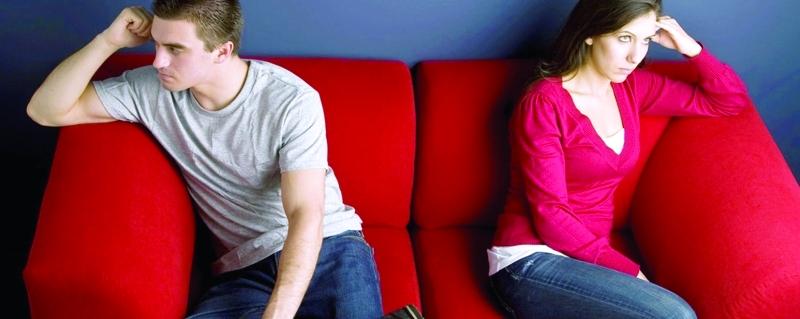 الصورة : عدم حل الحوار ودياً بين الأزواج يشكل بيئة خصبة للعنف  |  أرشيفية