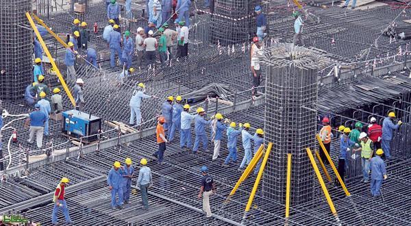 دبي تدخل غينيس بتسجيل أكبر كمية صب متواصلة للخرسانة الاسمنتية - البيان