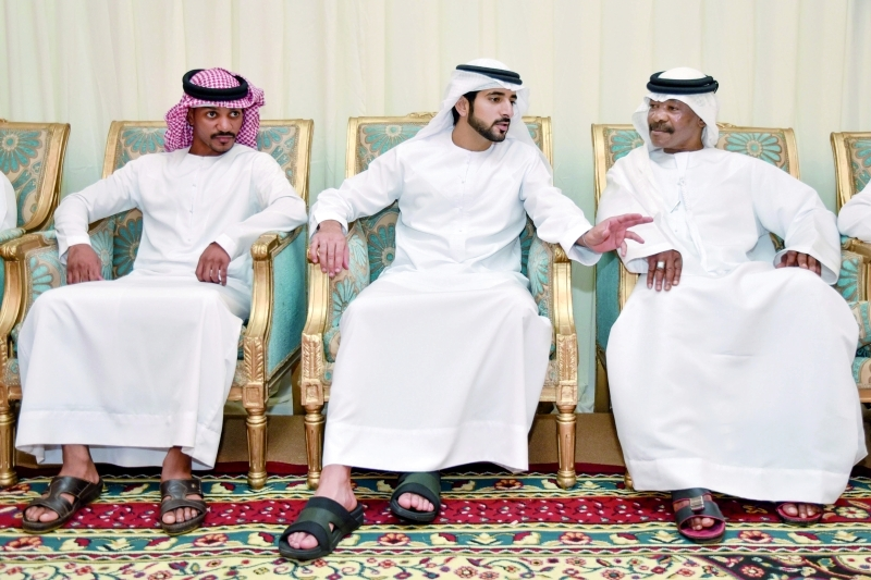 حمدان بن محمد معزياً أسرة الشهيد ناصر المزروعي