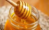 الصورة: ماذا يحدث لجسمك عند تناول ملعقة من العسل يوميا؟