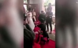 الصورة: عروس تتراجع عن الزواج وهي بملابس الزفاف