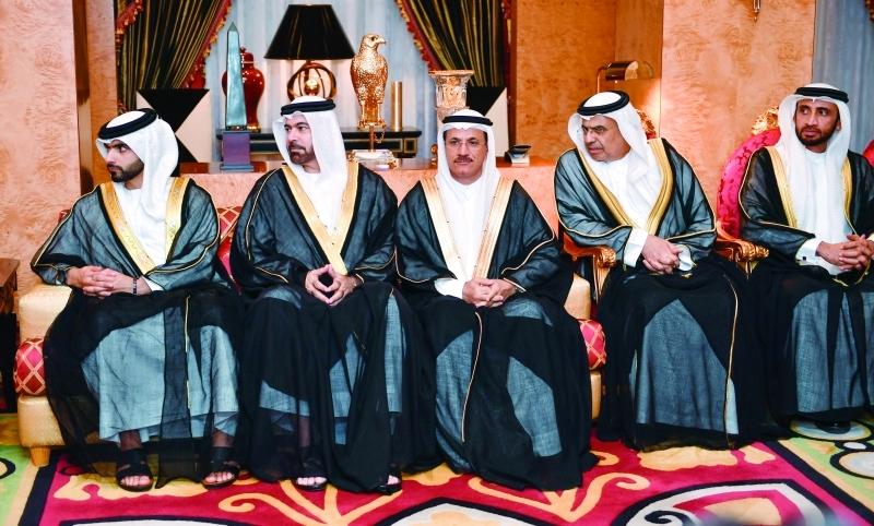 الصورة : ■ منصور بن محمد ومحمد القرقاوي وسلطان المنصوري وعبيد الطاير ومحمد الشيباني