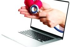 الصورة: الاستشارات الطبية عبر الإنترنت.. تصفح مضر بالصحة