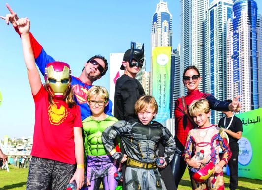 الصورة : Ⅶ  من سباق الشخصيات الخارقة في مرسى دبي     البيان