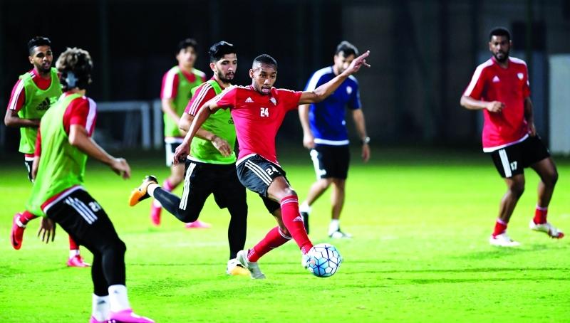 الصورة : ■ تشكيلة منتخب الإمارات تضم توليفة من اللاعبين الشباب وأصحاب الخبرة | تصوير - هشام تكنوين