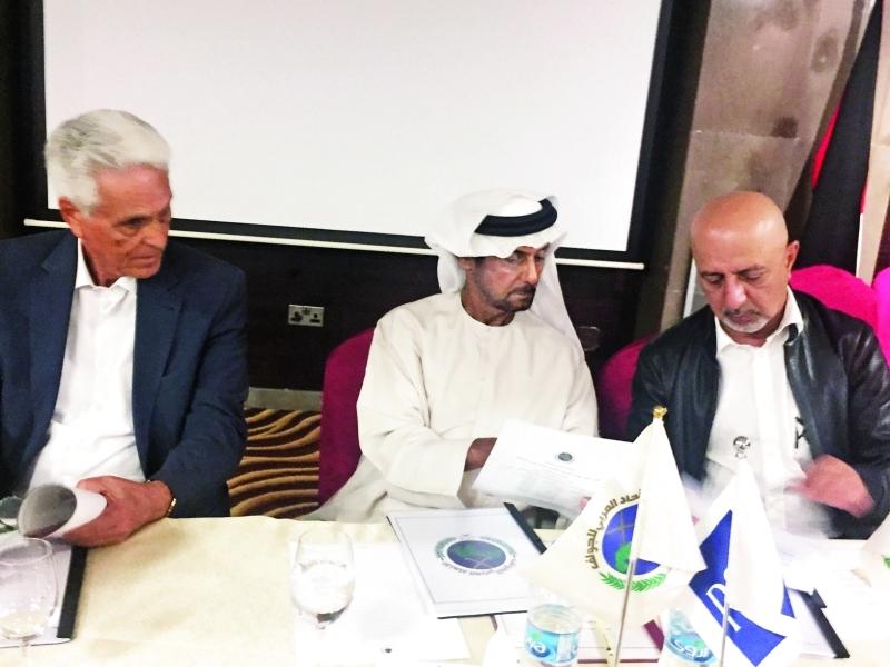 الصورة : فاهم القاسمي يترأس اجتماع الجمعية العمومية  |  البيان