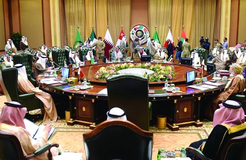 الصورة : Ⅶ وزراء الخارجية والشؤون الخارجية خلال الاجتماع التحضيري لقمة مجلس التعاون   |  رويترز