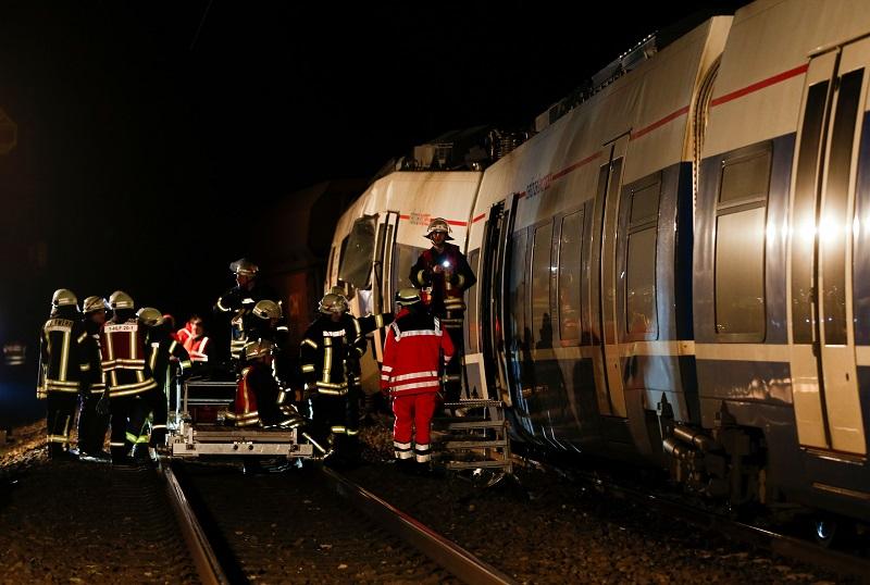عشرات الإصابات في حادث تصادم قطارين بغربي ألمانيا