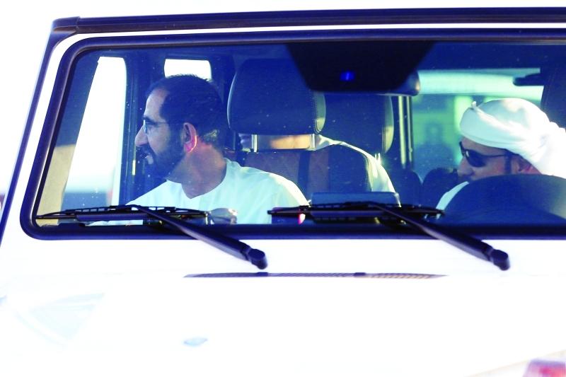 الصورة : ■ محمد بن راشد لدى وصوله السباق  |  تصوير: عبد الله المطروشي