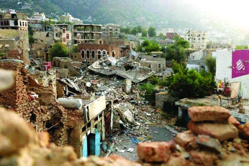 الصورة : ■ دمار هائل خلفته الميليشيات الحوثية الإيرانية في تعز     أرشيفية