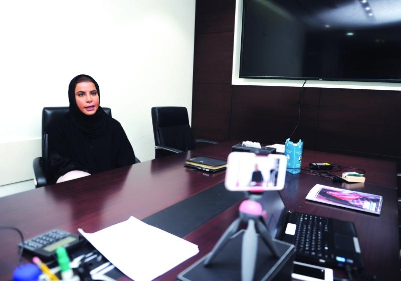 الصورة : Ⅶ أسماء النيادي خلال مشاركتها في العيادة الذكية     من المصدر