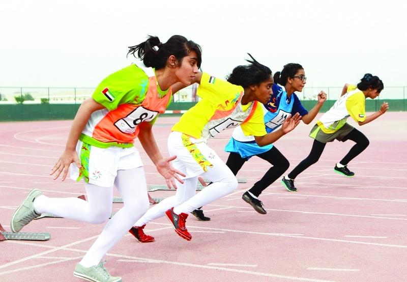 الصورة : ■  اهتمام كبير بمشاركة الفتيات في مسابقات ألعاب القوى