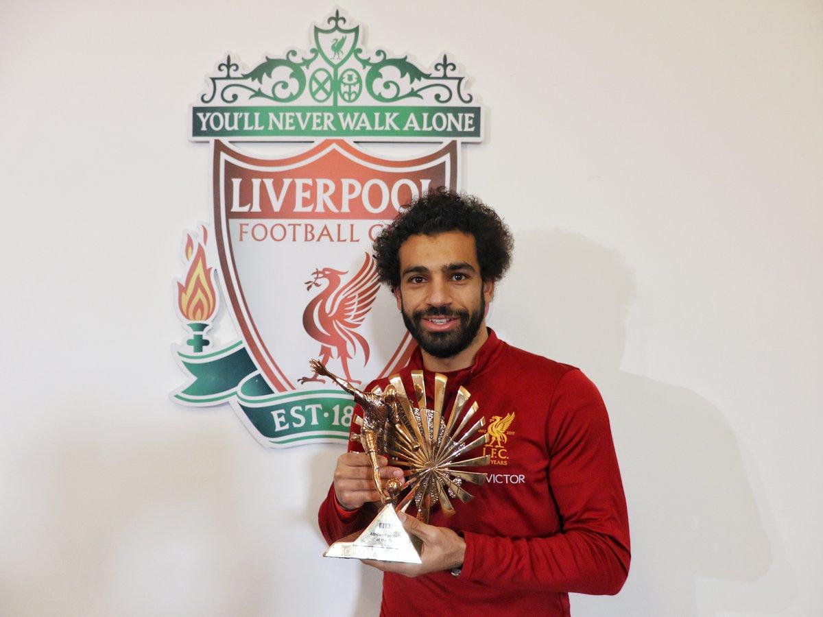 """تتويج صلاح بجائزة """"بي بي سي"""" لأفضل لاعب افريقي"""