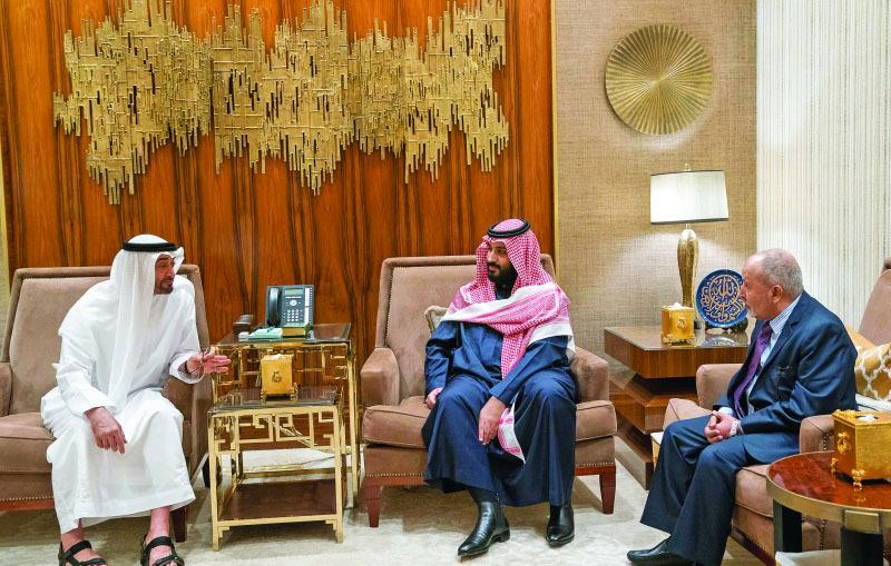 الصورة : Ⅶ محمد بن زايد ومحمد بن سلمان خلال اللقاء مع محمد اليدومي     وام
