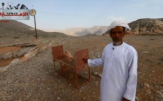 الصورة: الصورة: شاهد كيف يصطاد أهالي قرية بالفجيرة الثعالب على قمم الجبال