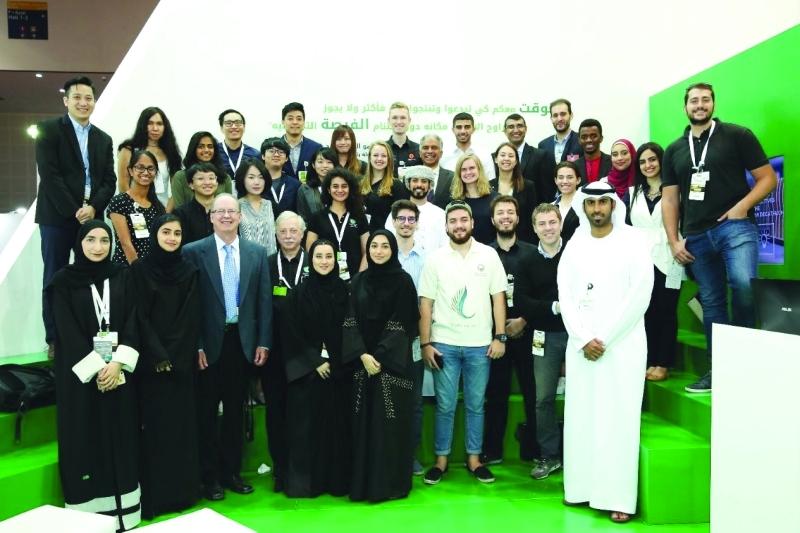 الصورة : فرق من 36 جامعة بالعالم تقدم ابتكاراتها في المسابقة   من المصدر