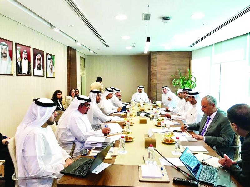 الصورة : خالد البستاني ومحمد بوعصيبة  وعدد من مديري عموم الجمارك المحلية في اجتماع سابق | البيان