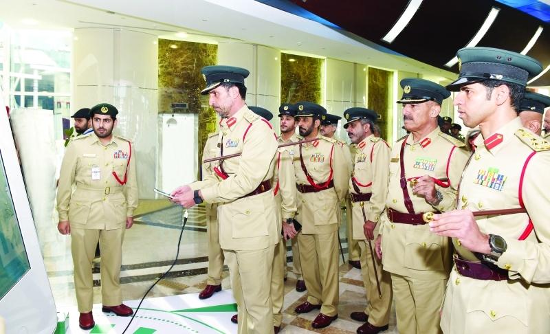 الصورة : عبدالله المري وكبار الضباط خلال إطلاق الهوية المؤسسية الجديدة   |  من المصدر