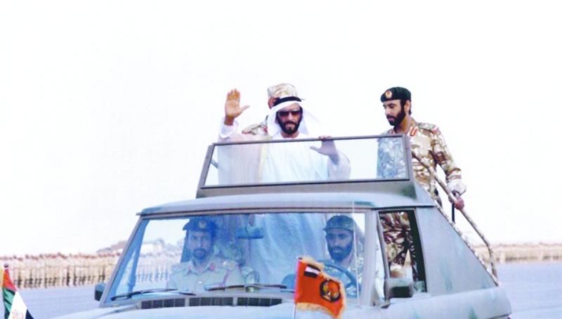 زايد الخير ومحمد بن زايد .. منهج ثابت وعطاء متدفق   |  أرشيفية