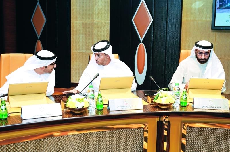 الصورة : أحمد بالهول وناصر الهاملي ومحمد البواردي