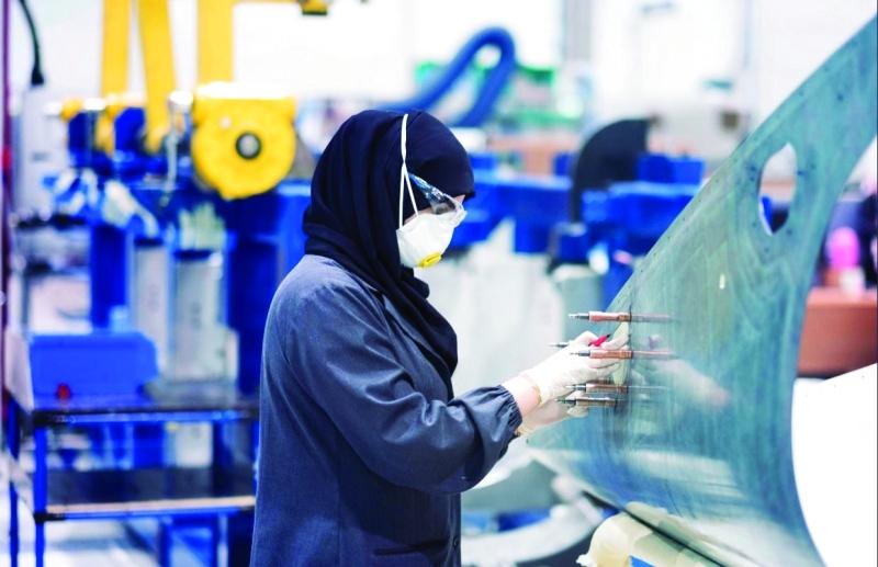 الصورة : ■ ابنة الإمارات تسجل حضورها بقوة في مجال التصنيع