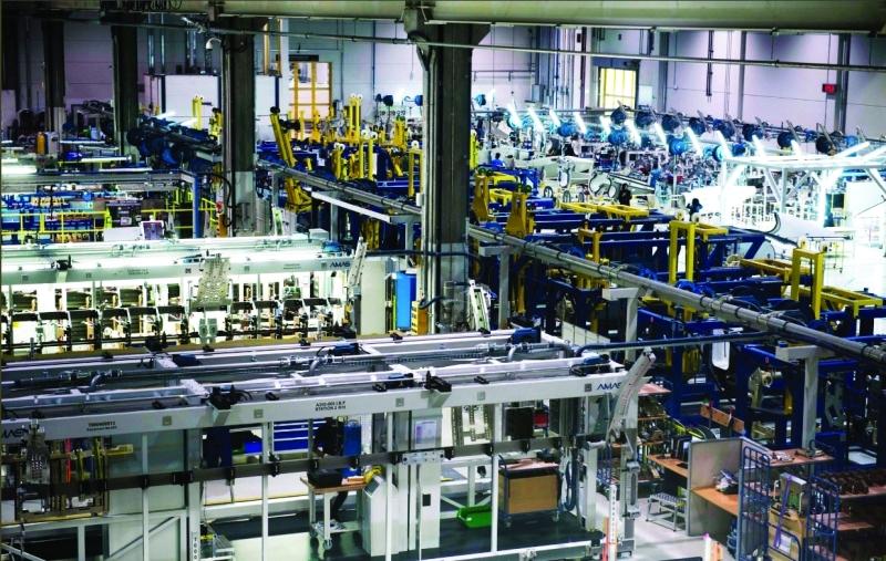 الصورة : ■ ستراتا.. علامة إماراتية متفوقة في الصناعات الحديثة