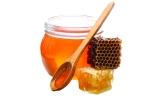 الصورة: ماذا يحدث لجسمك عند تناول ملعقة واحدة من العسل؟
