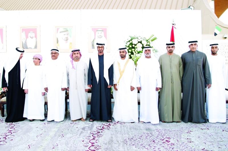 ■ محمد بن زايد خلال الحفل بحضور هزاع بن زايد ونهيان بن مبارك ومحمد الرميثي    وام