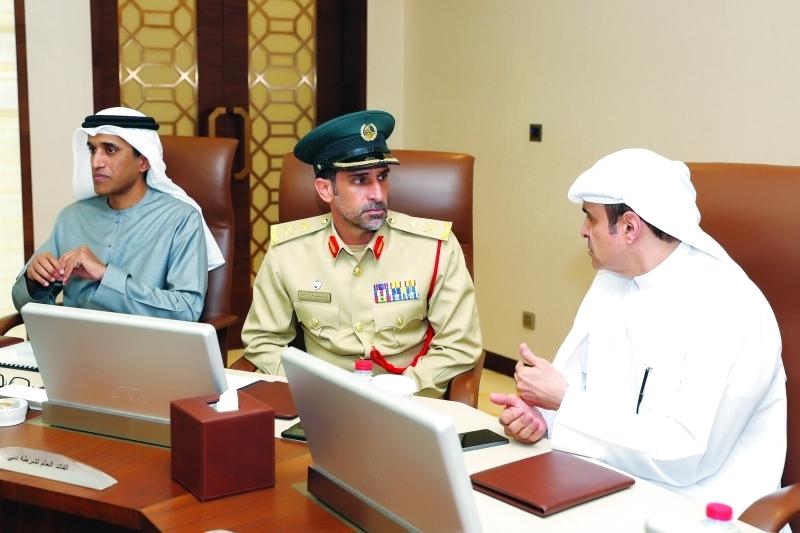 الصورة : سامي القمزي وعبدالله المري وعبدالله البسطي
